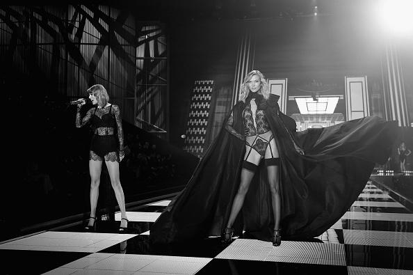 カーリー・クロス「2014 Victoria's Secret Fashion Show - Alternative View」:写真・画像(1)[壁紙.com]