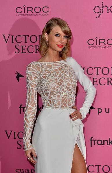 セレブリティ「2014 Victoria's Secret Fashion Show - Pink Carpet」:写真・画像(9)[壁紙.com]