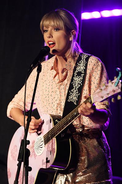 Taylor Swift「AEG And Stonewall Inn Pride Celebration」:写真・画像(15)[壁紙.com]