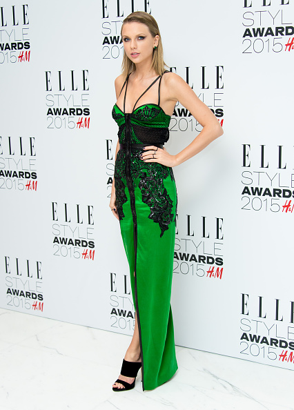 1人「Elle Style Awards 2015 - Outside Arrivals」:写真・画像(11)[壁紙.com]