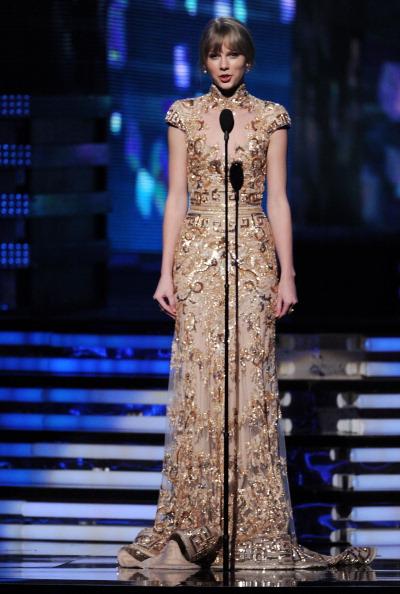 Flared Dress「The 54th Annual GRAMMY Awards - Show」:写真・画像(18)[壁紙.com]