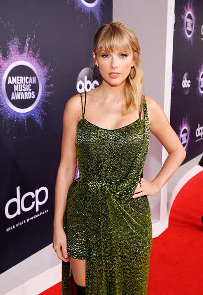 Hoop Earring「2019 American Music Awards - Red Carpet」:写真・画像(5)[壁紙.com]