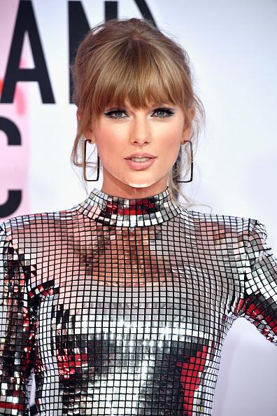 Taylor Swift「2018 American Music Awards - Arrivals」:写真・画像(12)[壁紙.com]