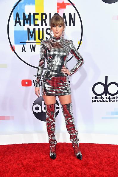 アメリカン・ミュージック・アワード「2018 American Music Awards - Arrivals」:写真・画像(16)[壁紙.com]