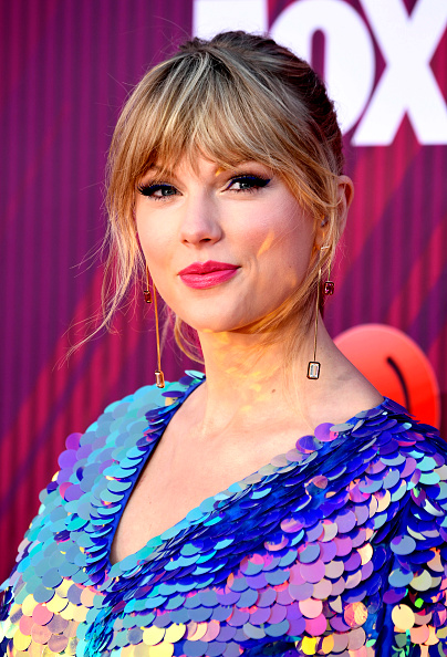 Bangs「2019 iHeartRadio Music Awards - Arrivals」:写真・画像(18)[壁紙.com]