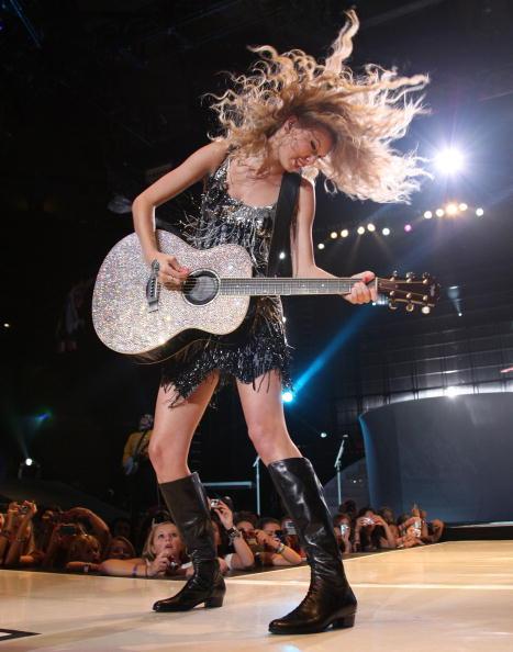 Hair Toss「Taylor Swift Fearless Tour 2009 In New York City」:写真・画像(10)[壁紙.com]