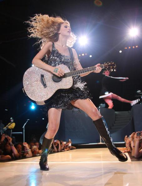 Hair Toss「Taylor Swift Fearless Tour 2009 In New York City」:写真・画像(9)[壁紙.com]