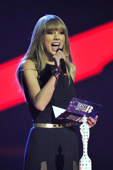 Metallic Belt「Brit Awards 2013 - Show」:写真・画像(6)[壁紙.com]