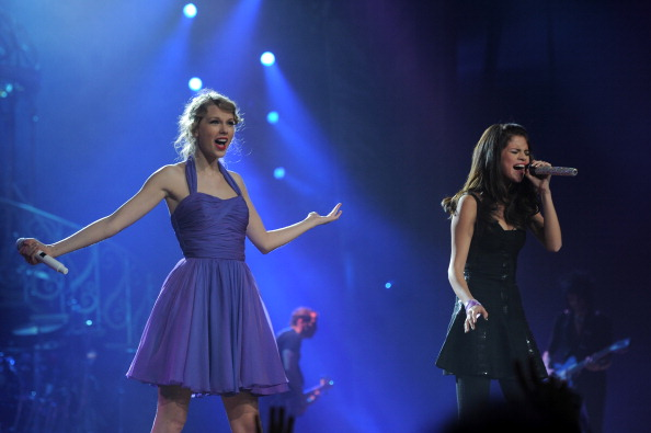 "Selena Gomez「Taylor Swift ""Speak Now World Tour"" In New York City - November 22, 2011」:写真・画像(8)[壁紙.com]"