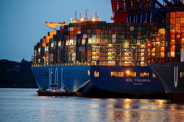 Economy「Ultra-Large Container Ship MOL Triumph Arrives At Hamburg Port」:写真・画像(0)[壁紙.com]
