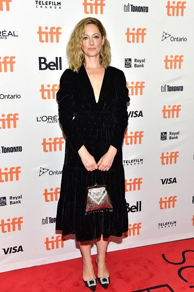 シルバーのハンドバッグ「2018 Toronto International Film Festival - 'Driven' Premiere」:写真・画像(10)[壁紙.com]