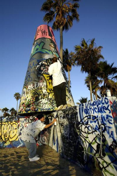 Graffiti「Gentrification Sparks Culture Clash In Venice Beach」:写真・画像(5)[壁紙.com]