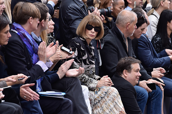Medium Group Of People「Chloe : Front Row - Paris Fashion Week Womenswear Spring/Summer 2016」:写真・画像(2)[壁紙.com]