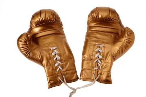 Boxing Glove「Golden boxing gloves on white background」:スマホ壁紙(2)