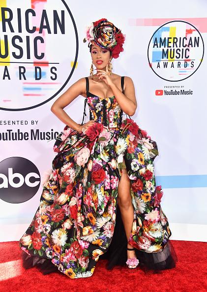 アメリカン・ミュージック・アワード「2018 American Music Awards - Arrivals」:写真・画像(1)[壁紙.com]