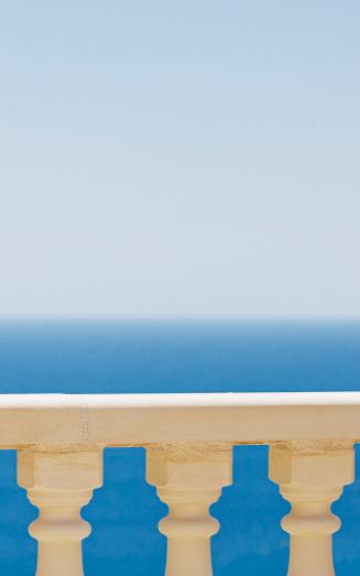 Balustrade「Spain, Costa Blanca, View of sea over balustrade」:スマホ壁紙(10)