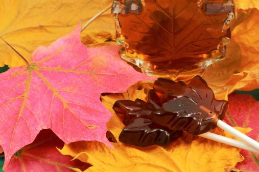 かえでの葉「メープルシロップやロリポップキャンディー」:スマホ壁紙(2)