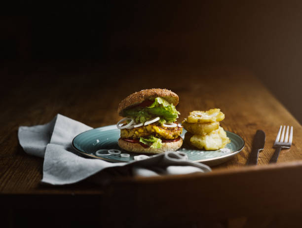 Vegan burgers made of chick peas and corn:スマホ壁紙(壁紙.com)