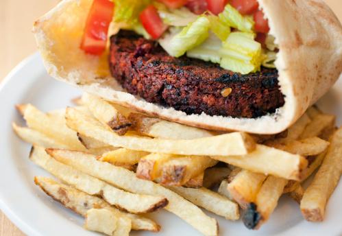 Veggie Burger「Vegan burger and fries」:スマホ壁紙(7)