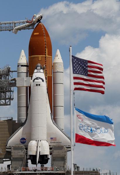 Space Shuttle Endeavor「NASA Prepares For Space Shuttle Endeavour's Launch」:写真・画像(13)[壁紙.com]