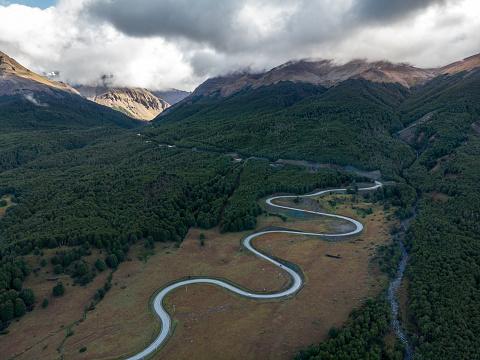Hairpin Curve「Cuesta El Diablo mountain pass in the chilean Patagonia」:スマホ壁紙(2)