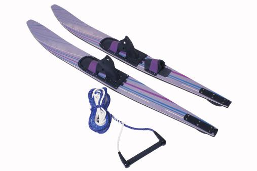 Water-skiing「Pair of water-skis and rope」:スマホ壁紙(5)