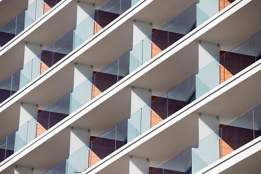Conformity「Balconies in modern apartment building」:スマホ壁紙(4)