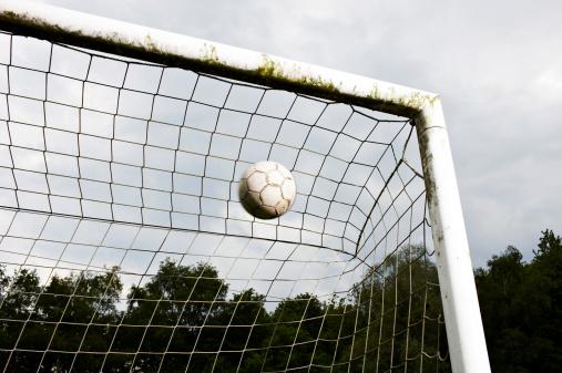 Goal - Sports Equipment「Soccer ball in goal」:スマホ壁紙(7)