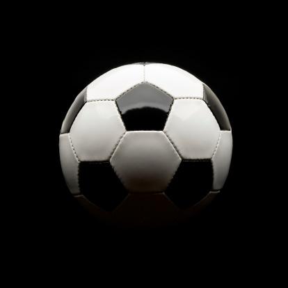 半月「サッカーボールの絶縁にブラック」:スマホ壁紙(4)