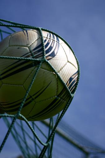 Teenager「soccer ball」:スマホ壁紙(10)