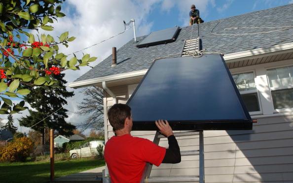 Solar Panel「Western States Look To Alternative Energy Sources」:写真・画像(0)[壁紙.com]