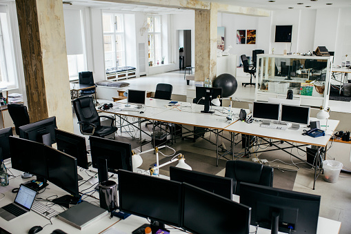Concepts「Large Contemporary Office Environment」:スマホ壁紙(12)