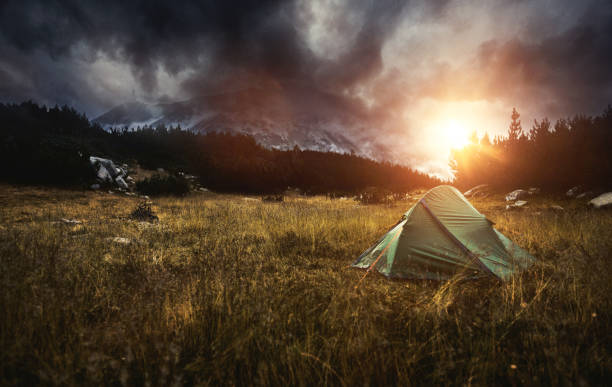 Camping in a Tent in the Mountains at Sunset:スマホ壁紙(壁紙.com)