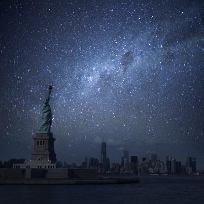 天の川「ニューヨーク、夜間照明」:スマホ壁紙(14)