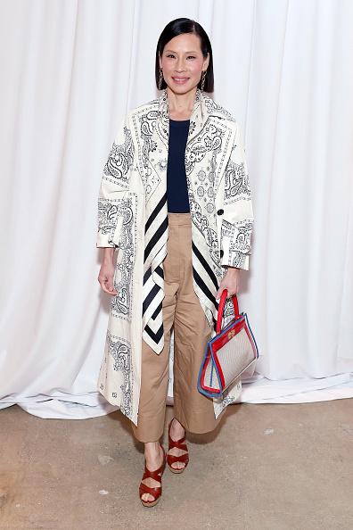Lucy Liu「Tory Burch Fall Winter 2020 Fashion Show - Backstage & Front Row」:写真・画像(1)[壁紙.com]