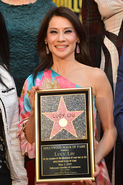 Lucy Liu「Lucy Liu Honored With Star On The Hollywood Walk Of Fame」:写真・画像(17)[壁紙.com]