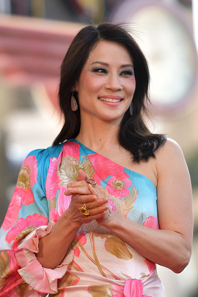 Lucy Liu「Lucy Liu Honored With Star On The Hollywood Walk Of Fame」:写真・画像(9)[壁紙.com]