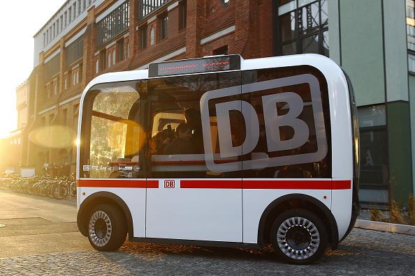 Bus「Deutsche Bahn Presents Self-Driving Bus Pilot Project」:写真・画像(12)[壁紙.com]