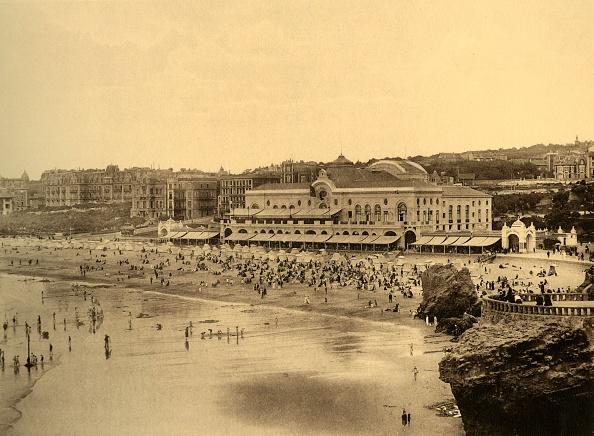 Travel Destinations「Biarritz - Le Casino Municipal Et La Grande Plage」:写真・画像(18)[壁紙.com]