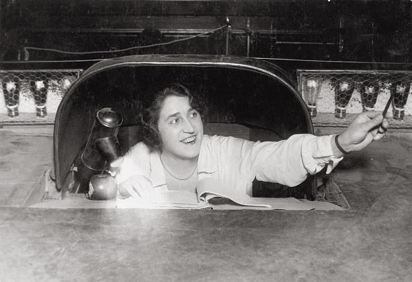 演劇「Prompter at a theatre in Vienna, Photograph, 20ies」:写真・画像(16)[壁紙.com]