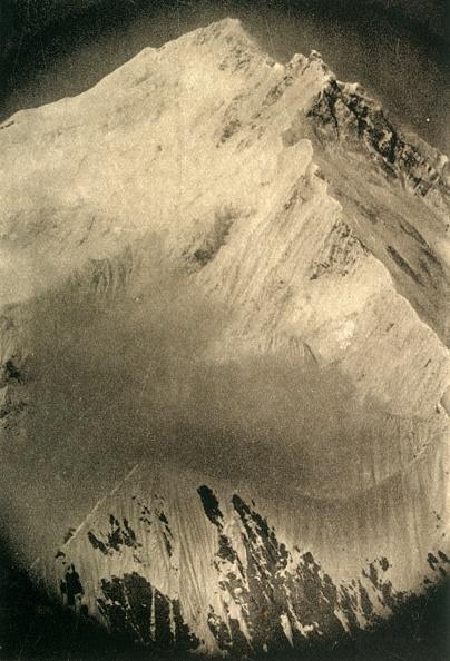 Black And White「North East Ridge Of Mount Everest」:写真・画像(13)[壁紙.com]