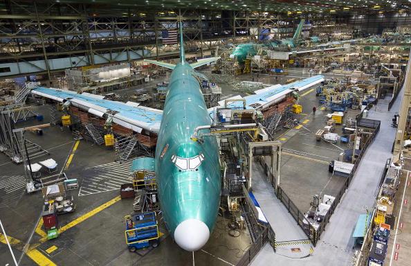 Environmental Conservation「Boeing 747-8 Freighter Plane Makes First Test Flight」:写真・画像(11)[壁紙.com]