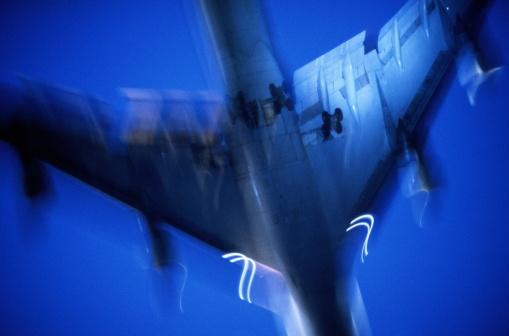 Passenger「Boeing 747 passenger aircraft in flight (blurred motion)」:スマホ壁紙(8)