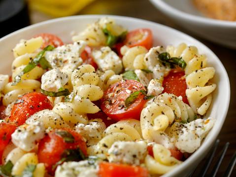 Vegetarian Food「Tomato and Feta, Pasta Salad with Freshly Chopped Basil」:スマホ壁紙(0)
