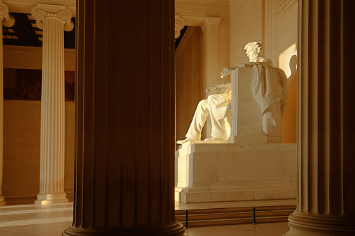 US President「The Lincoln Memorial with President Lincoln Statue in Washington DC」:スマホ壁紙(4)