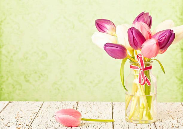 春のチューリップの母の日:スマホ壁紙(壁紙.com)