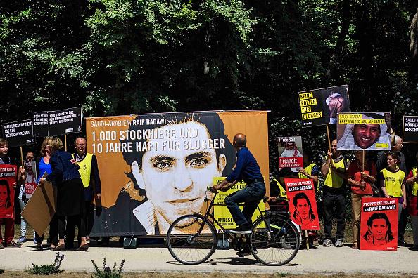 Domination「Activists Protest Saudi Court Verdict In Badawi Case」:写真・画像(10)[壁紙.com]