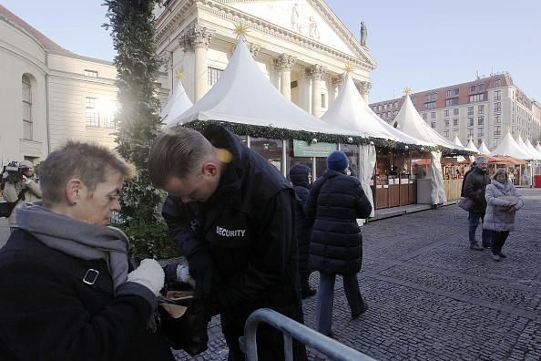 2016 Berlin Christmas Market Attack「Berlin Christmas Markets Reopen Following Apparent Terror Attack」:写真・画像(19)[壁紙.com]