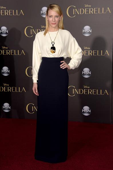 """El Capitan Theatre「Premiere Of Disney's """"Cinderella"""" - Arrivals」:写真・画像(9)[壁紙.com]"""