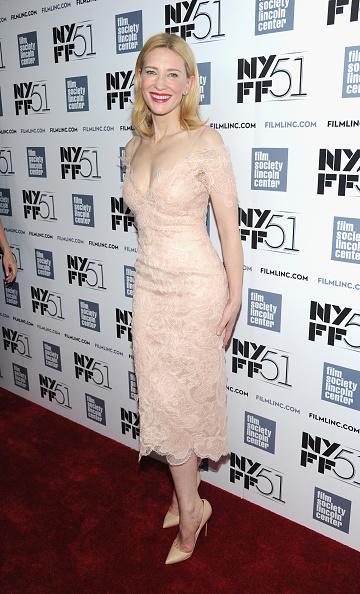 Lace Dress「Gala Tribute To Cate Blanchett - Red Carpet - The 51st New York Film Festival」:写真・画像(14)[壁紙.com]